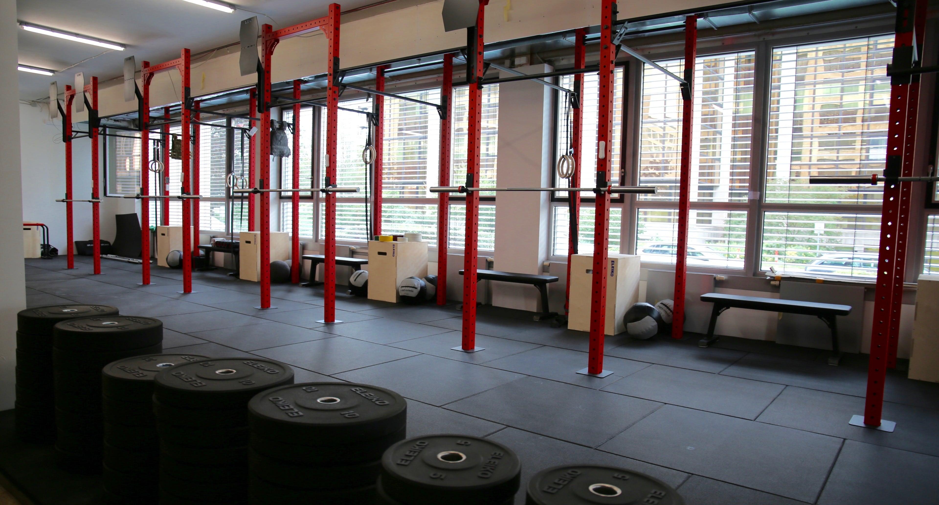 teen girls nach dem fitness studio